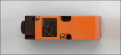 IM0011: Induktiver Sensor; 40 x 40 x 120 mm; Schaltabstand 1